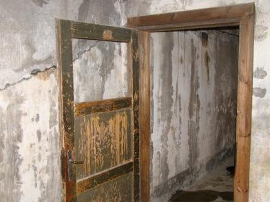 Врата на газова камера в Аушвиц (снимка: 2012 г.)