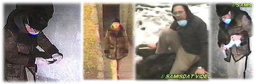 Фред Лойхтер взимащ проби от газовите камери.