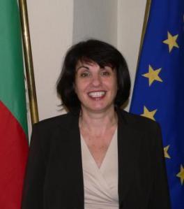Юлиана Николова