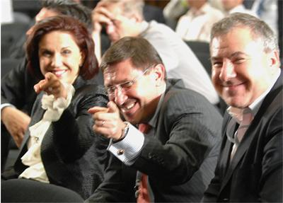 Виктор Меламед (крайният вдясно) заедно с Максим Бехар и Антония Първанова