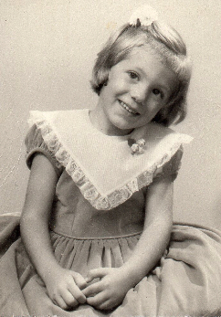 Каролайн Хамлет на 4 годинки.