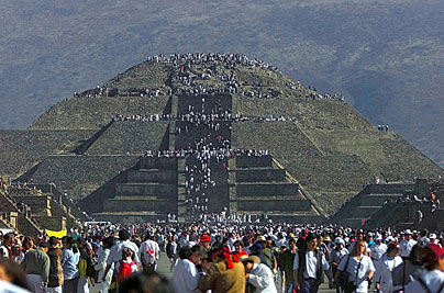 Pyramid-Sun-404e_737885c