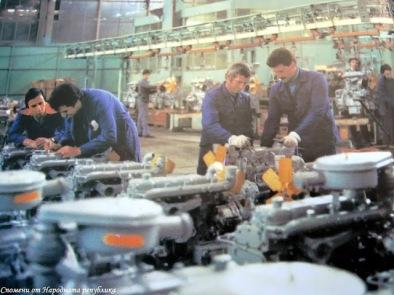 В завода за производство на дизелови двигатели - Варна, 70-те