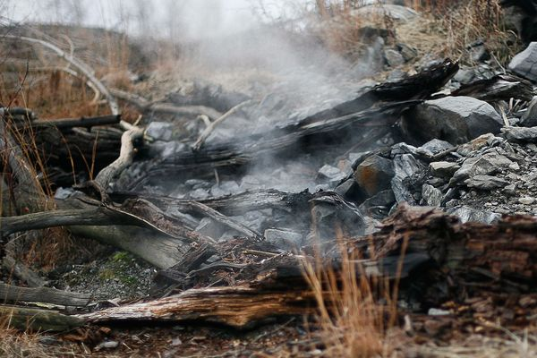 centralia-coal-fire-still-burning-wood_62969_600x450