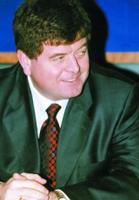 """Човека на Алианц, Димитър Желев е една от водещите фигури в застраховането. Заедно с жена си Данета Желева контролират """"Индустриален холдинг България"""" който контролира голяма част от корабостроенето и корабоплаването в България. Химимпорт размъти водатата на семейство Желеви като изкупи над 10% от акциите на ИХБ. и затрудни тоталното превземато на холдинга от Желеви и по този начин защити интересите си в морския бизнес."""