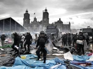 Така беше потушена учителската окупация на площад Зокало в Мексико сити в края на 2013