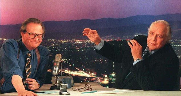 Марлон Брандо (от дясно) в шоуто на Лари Кинг (ляво).