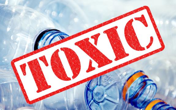 plastic_bottles_toxic