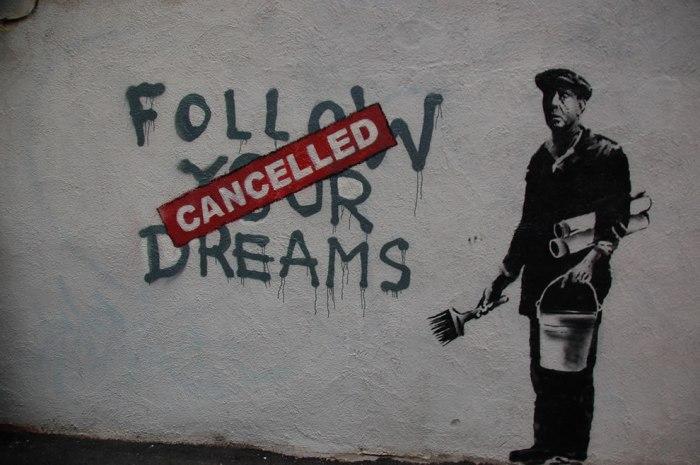 Една от основните черти на неолиберализма – мечтите и стремежите също трябва да бъдат съобразени със законите на пазара, тъй като само той има власт да решава кое е успешно и кое не