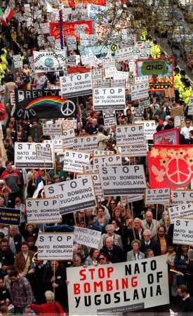 britain_kosovo_protest