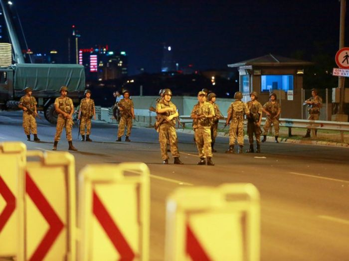 RT_turkey_coup_01_jef_160715_4x3_992