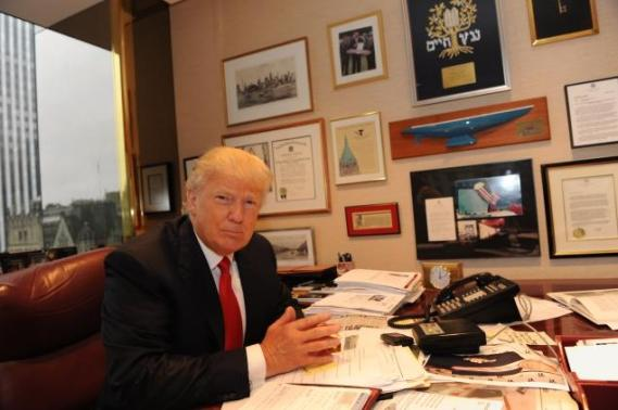 trump-office-with-jnf-plaque-2
