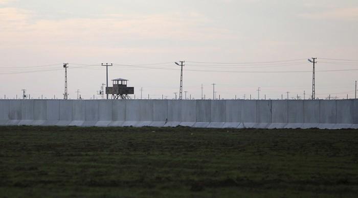 """Естонската """"велика"""" стена. снимка: Ройтерс"""