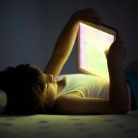 Цифровият хероин: как екраните превръщат децата ни в наркомани