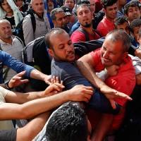 """Полски министър: Европа трябва да се """"събуди"""" за """"сблъсъка на цивилизациите"""""""